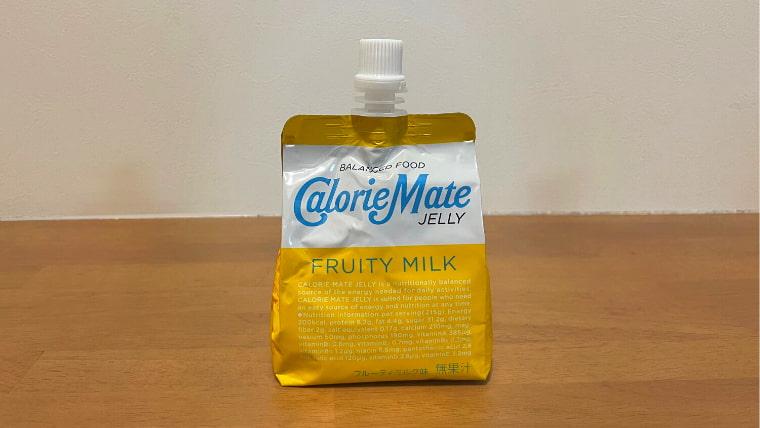 カロリーメイトフルーティミルク味(ゼリータイプ)のパッケージ画像オモテ