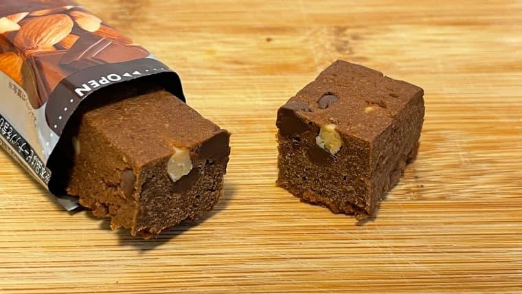 soyjoyアーモンド&チョコレート味のイメージ断面